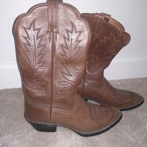 Ariat brown western boots 7